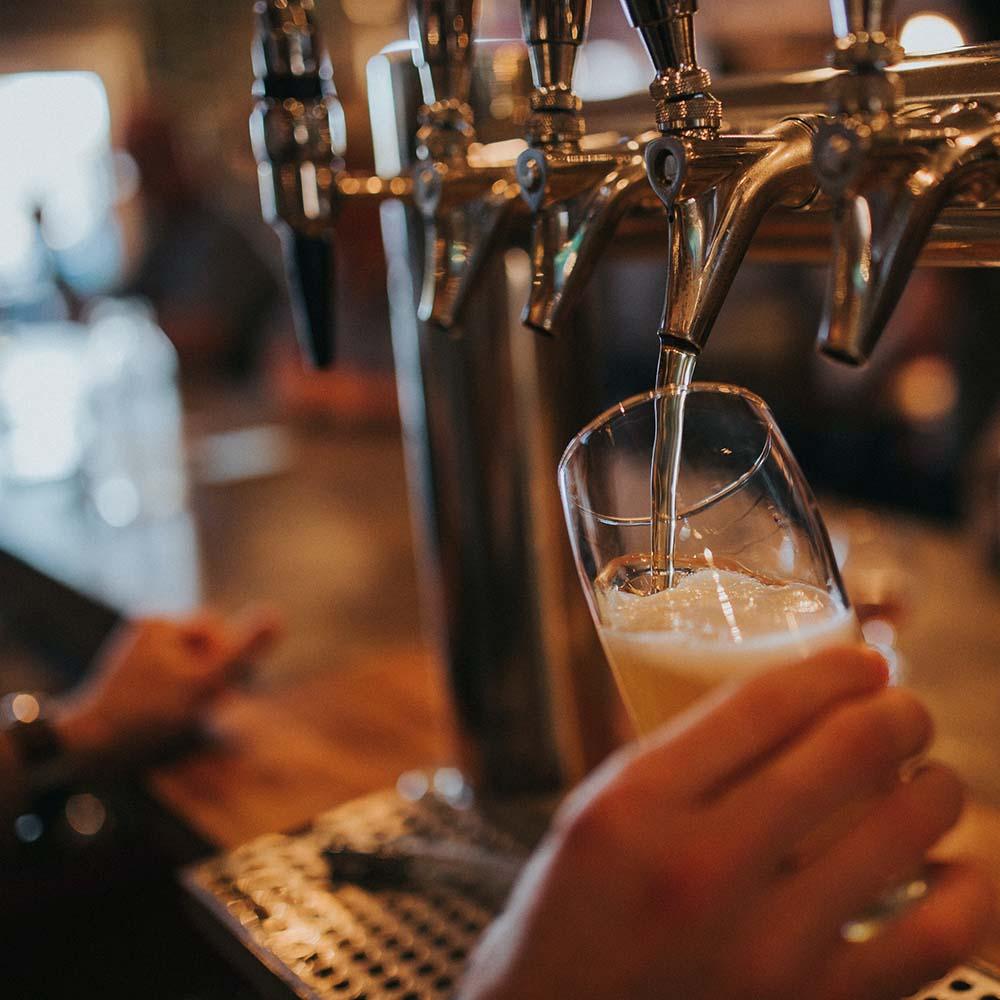 Fengselet, pub på Sogndalstrand
