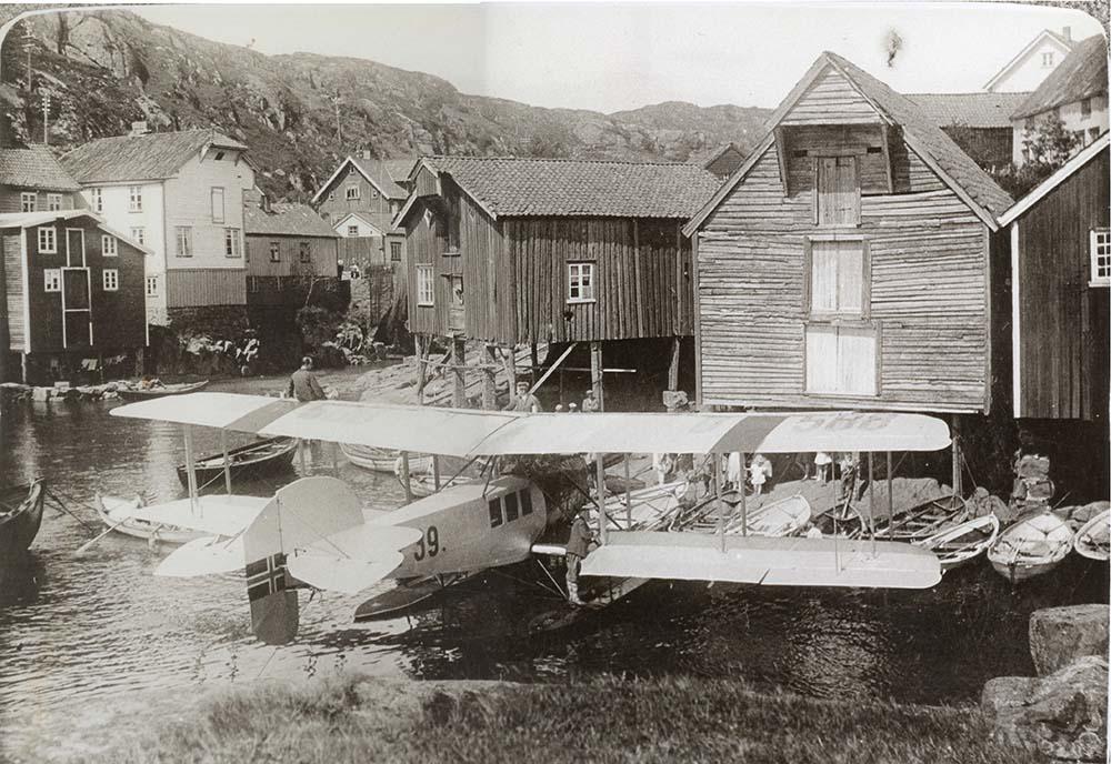 Sogndalstrand historie, sjøhus og fly